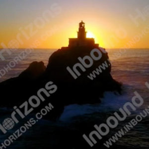 Oregon-4K-023-TillamookRockLighthouseSunset